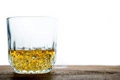 Glace de whiskey avec des glaçons Photos stock