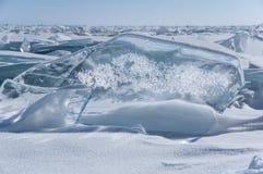 Glace du lac Baïkal image libre de droits