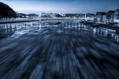Glace entrant sur la rivière Danube à Budapest photos libres de droits