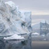 Glace et des icebergs des régions polaires de la terre Image libre de droits