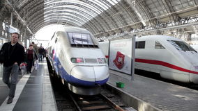 GLACE et TGV banque de vidéos