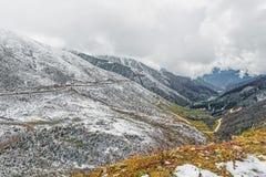 Glace sur le dessus de montagne en hiver Image libre de droits