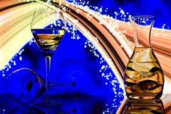 Glaces de Champagne avec le fond au néon d'arc-en-ciel Photographie stock libre de droits