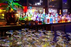 Glaces et bouteilles Images stock