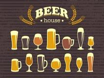 Glaces et tasses de bière Image stock