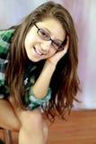 Glaces s'usantes de l'adolescence image stock
