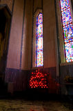 Glaces souillées d'église images libres de droits
