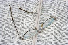 Glaces sur le livre ouvert Images libres de droits