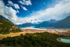 Glaciär av Exploradores och berg av San Valentin Arkivfoton
