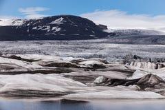 Glaciär i en solig dag, Island Royaltyfria Bilder