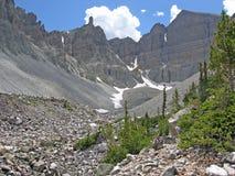 Glaciär nedanföra Wheeler Peak i den stora handfatnationalparken, Nevada. Arkivfoto
