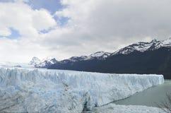 GLACIÄR OCH GLOBAL UPPVÄRMNING PERITO MORENO I PATAGONIA ARGENTINA FÖR EL CALAFATE Royaltyfria Bilder