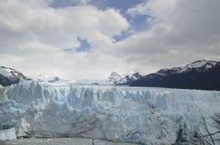 GLACIÄR OCH GLOBAL UPPVÄRMNING PERITO MORENO I PATAGONIA ARGENTINA FÖR EL CALAFATE Royaltyfri Fotografi