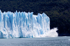 glaciär som ollapsing Arkivfoto