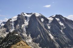 Glaciärer i de höga bergen Arkivbild