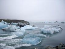 Glaciärlagun, Jokulsarlon, Island Arkivfoto
