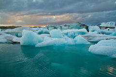 Glaciärlagun på solnedgången Arkivfoto