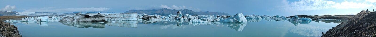glaciärlakepanorama arkivfoton