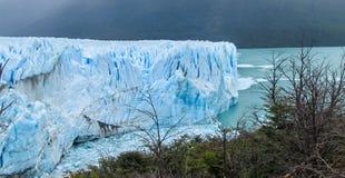 Glaciar azul Perito Moreno del hielo y lago en Patagonia fotos de archivo libres de regalías