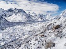 Glaciar cerca de Gorak Shep y del monte Everest Imagenes de archivo