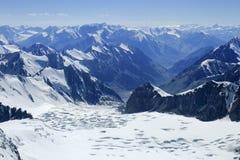 Glaciar con las porciones de moldes y de lagos Fotografía de archivo libre de regalías