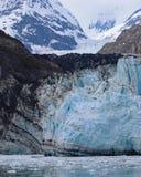 Glaciar de Margerie que extiende para arriba en la gama de Elias Mountain Foto de archivo