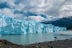 Glaciar de Perito Moreno en un día soleado Fotos de archivo libres de regalías
