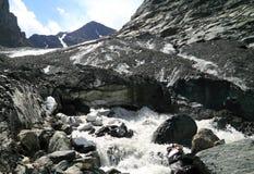 Glaciar del deshielo en Altai Imagenes de archivo