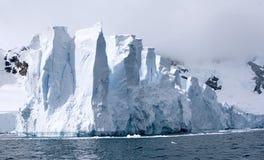 Glaciar en bahía del paraíso Imágenes de archivo libres de regalías