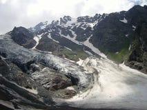 Glaciar en la Federación Rusa del republik del kabarda foto de archivo libre de regalías