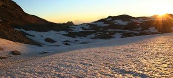Glaciar en la salida del sol Imagenes de archivo