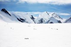 Glaciar - escaladores Imágenes de archivo libres de regalías