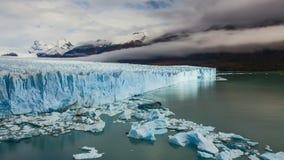 Glaciar Perito Moreno National Park en otoño La Argentina, Patagonia almacen de metraje de vídeo