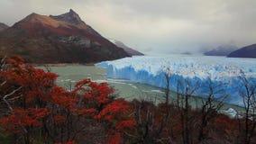 Glaciar Perito Moreno National Park en otoño La Argentina, Patagonia almacen de video