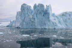 Glaciar reflexivo fotografía de archivo