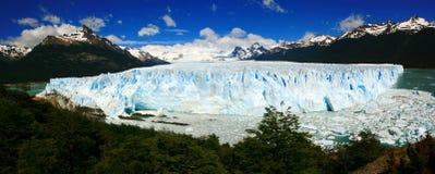 Glaciar y Lago Argentino de Perito Moreno panorámico Imagen de archivo