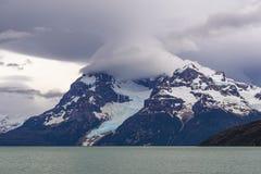 Glaciar y sonido pasado de la esperanza, Patagonia de Balmaceda foto de archivo
