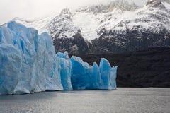 Glaciares y montañas Imágenes de archivo libres de regalías