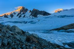 Glacier在日出的du Tour 法国的阿尔卑斯 库存照片