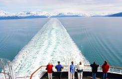 Glacier Bay que cruza, Alaska Imagenes de archivo