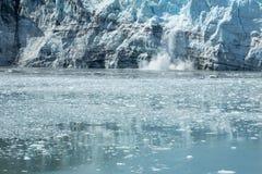 Glacier d'Alaska de vêlage Images stock