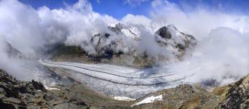 Glacier d'Aletsch, le plus grand gracier dans les Alpes Photographie stock