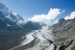 Glacier d'Apls avec des pierres Image libre de droits