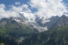 Glacier de montagne pendant l'été photographie stock libre de droits