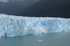 Glacier de Perito Moreno, beau mur bleu de glace, Argentine Photos stock