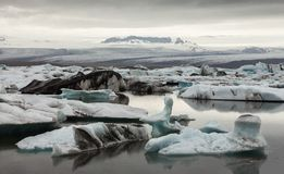 Glacier et icebergs en Islande Photo stock