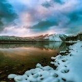 Glacier National Park che nevica nell'inverno Fotografie Stock Libere da Diritti