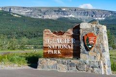 Glacier Nationalpark-Eingangs-Zeichen stockfoto