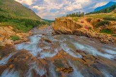 Glacier Nationalpark Swiftcurrent-Fälle lizenzfreies stockbild