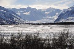 Glacier noir de Rapids dans la chaîne d'Alaska Images libres de droits